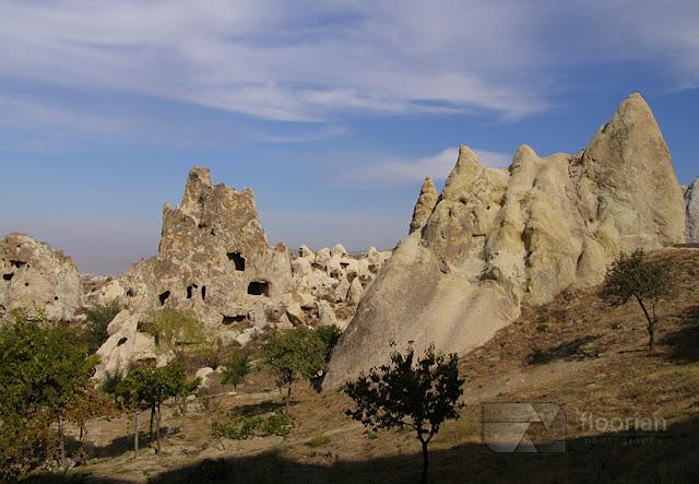 Panorama Göreme i kościoły katolickie wykuye w skałach