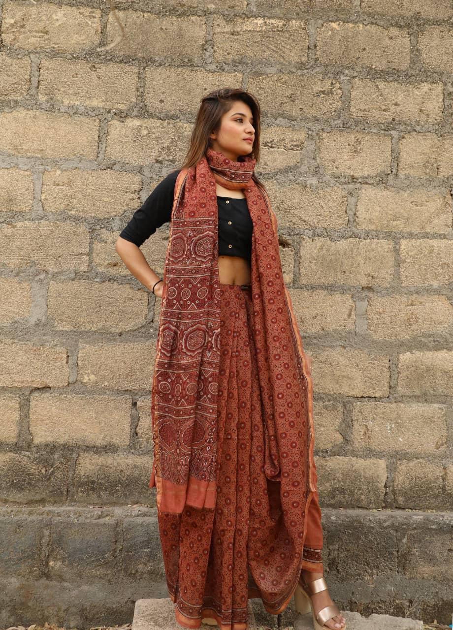 bed51bdaa3 Cotton Sarees Wholesale   Wholesale Saree for Business: Chanderi ...