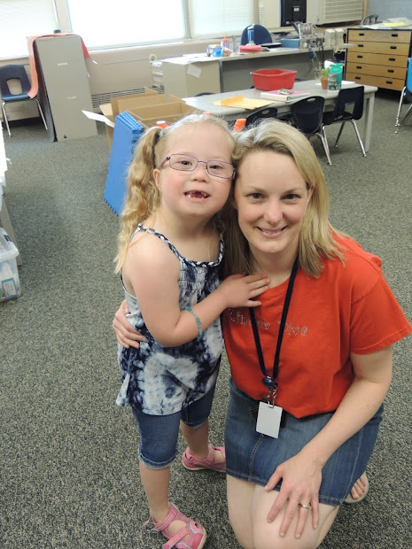 Ella Grace With Pretty Face And Day Of School