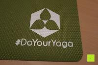 Logo: Yogamatte aus natürlichen Gummi (Kautschuk) - »Rubin« 183x61x0,4cm - sehr rutschfeste Matte für Yoga : ideal für Yogalehrer & Yogastudios (Studio-Qualität). Erhältich in 6 Trendfarben : pink hellblau grün lila navyblau & schwarz. Exzellent geeignet für Yogaübungen (Asanas), Pilates & Gymnastik - die perfekte Fitnessmatte / Sportmatte dank innovativer Oberflächenstruktur - ökologisch korrekt hergestellt & REACH geprüft (keine Schadstoffe)