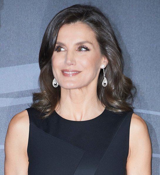 Queen Letizia diamond earrings