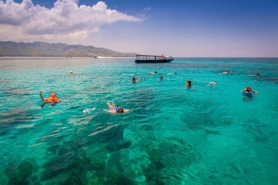 Wisata Pantai Di Kalimantan Selatan Yang Memanjakan