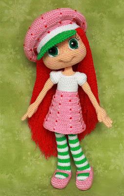 Вязаная кукла Земляничка