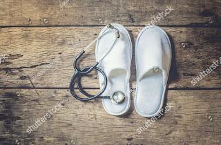 what is diabetic footwears,diabetic footwears use,types of diabetes shoes,footwear for diabetic patient,diabetic shoes
