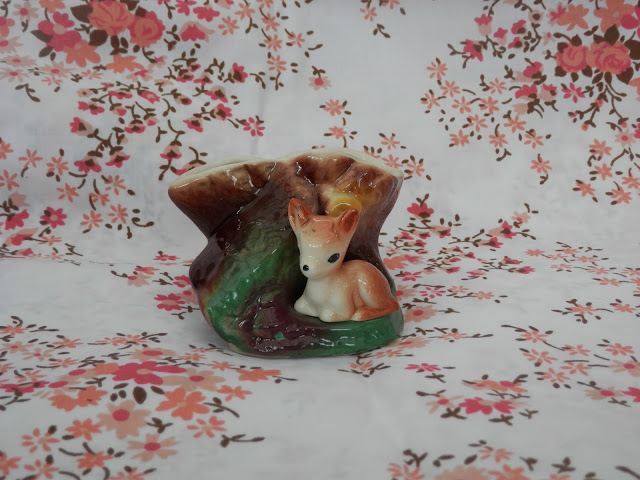 Hornsea deer vase. Charity shop haul.  secondhandsusie.blogspot.co.uk