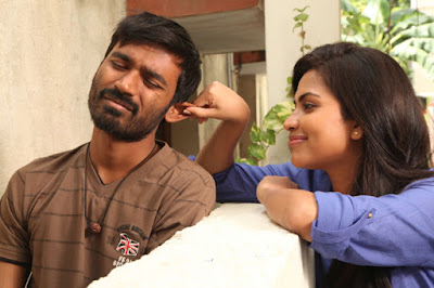 Heroin-Amala-Paul-Crush-on-Dhanush-Andhra-Talkies