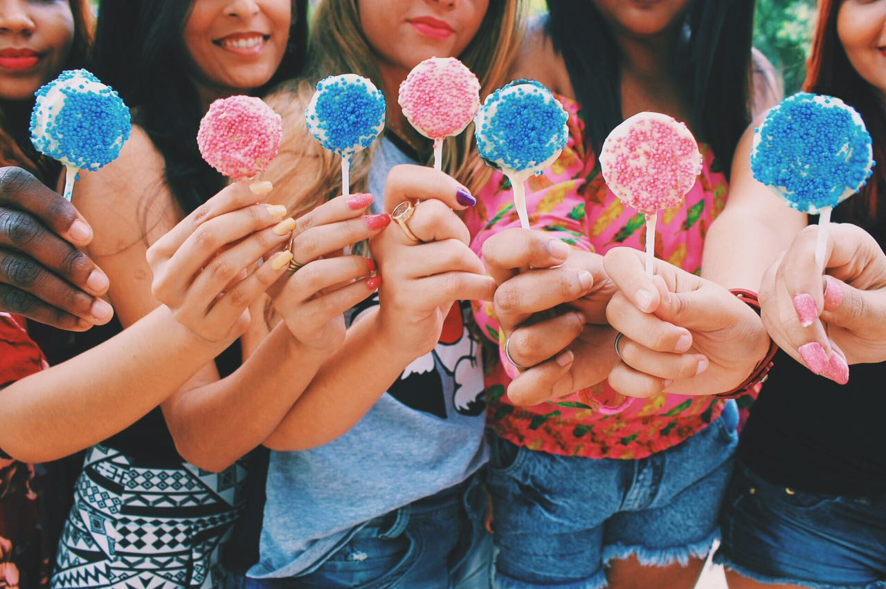faça você mesma, piquenique, festa infantil, decoração, pompom de seda, receita fácil, doce para festas, dia das crianças, festa rosa, piquenique gastando pouco, festa barata e fácil, dicas para festa