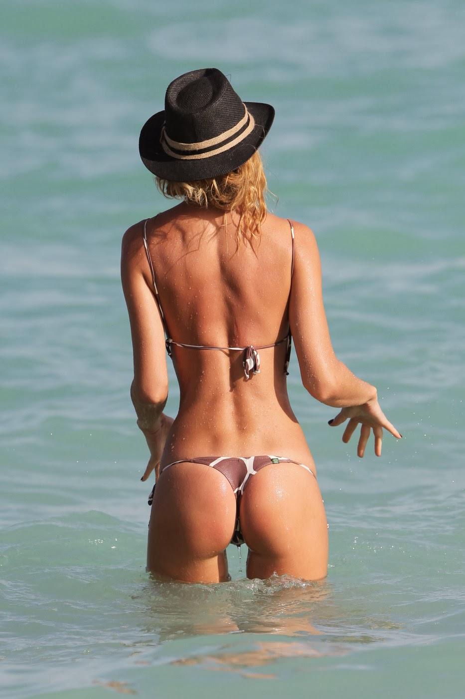 Things Guys Love Thigh Gaps Bikini Bridges Back