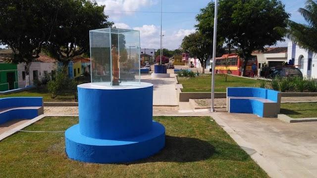 Prefeito entrega praça de Uruçu-Mirim revitalizada neste domingo (18)