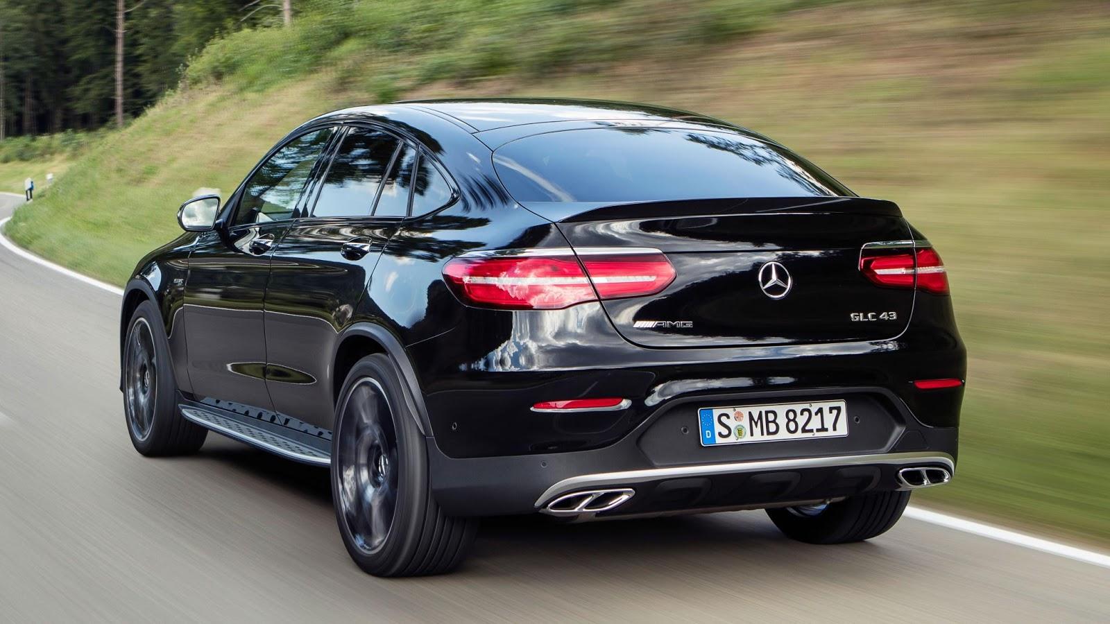 Phần đuôi xe trông chẳng khác nào BMW X4, kiểu sexy, căng phồng