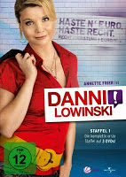 http://www.amazon.de/Danni-Lowinski-Staffel-Annette-Frier/dp/B00451UG54/ref=sr_1_2?s=dvd&ie=UTF8&qid=1375308658&sr=1-2&keywords=danni+lowinski