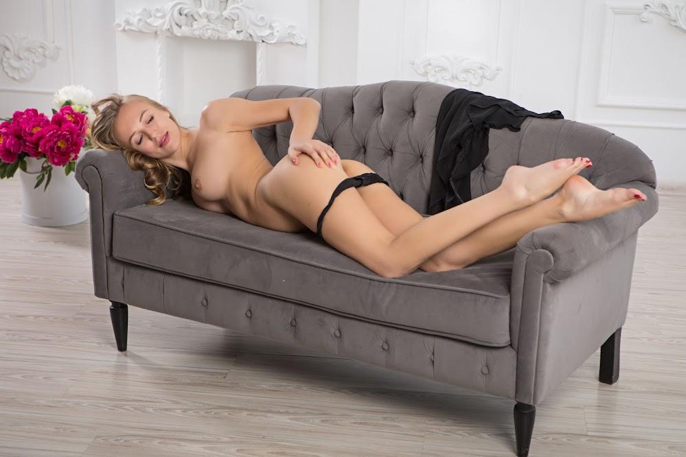 SexArt Aislin Simplicity - Girlsdelta