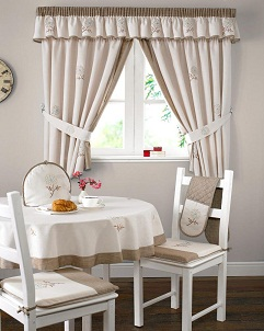 Cortinas para cocina elecci n del estilo color y for Tende a vetro per cucina classica