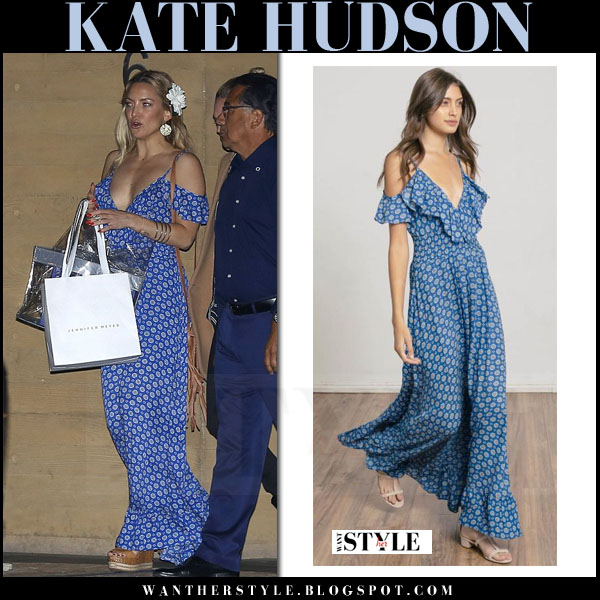 Kate Hudson in blue printed maxi dress what she wore streetstyle summer