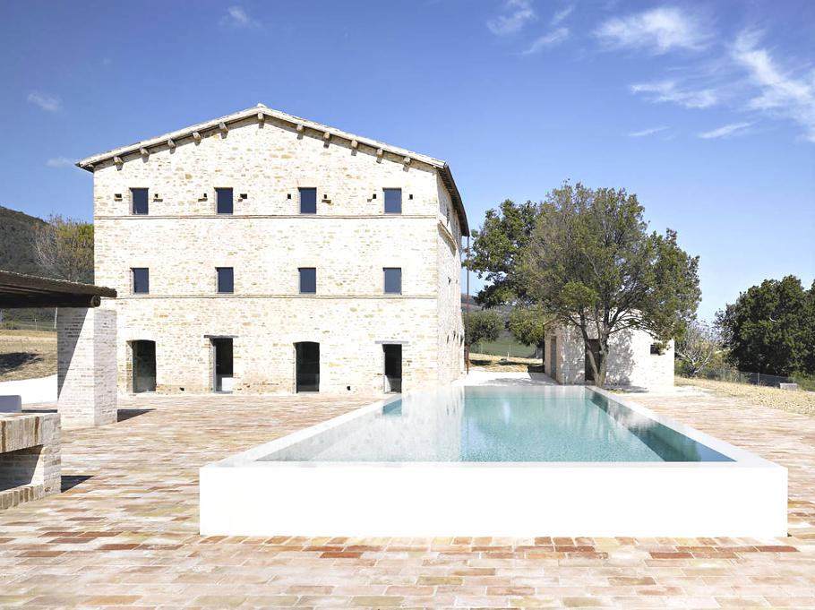 Holiday Villas Italy Pool