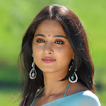 Anushka Shetty hot saree pics