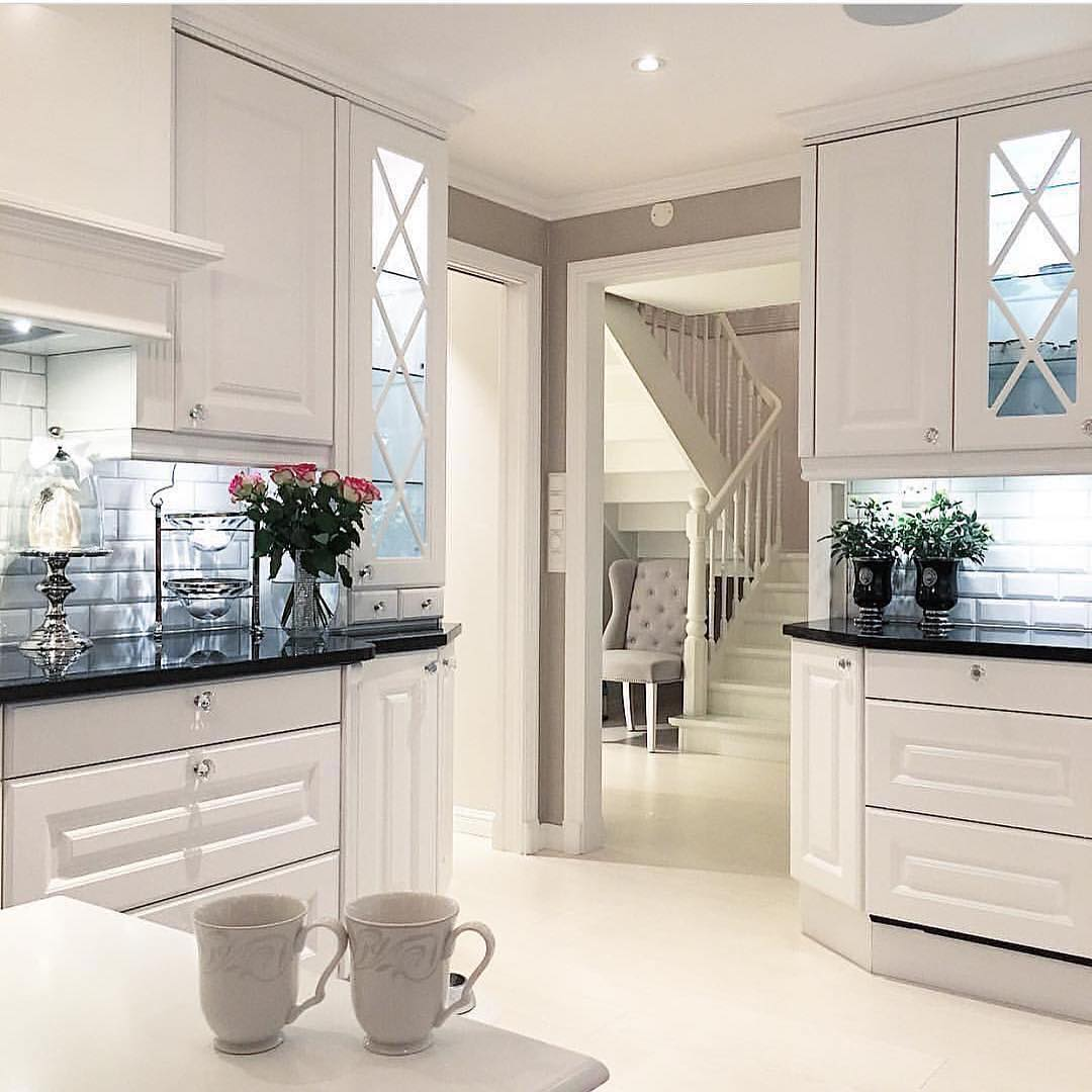 Affordable ways to create a shabby chic kitchen hello shabby