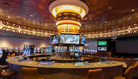 Casino insider tells (almost) all about security