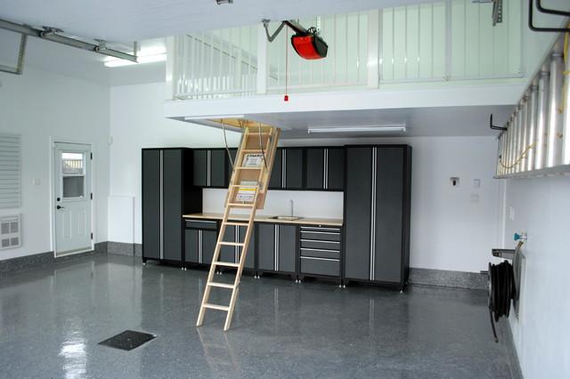 Simplifying Remodeling: 8 Clutter-Busting Garage Storage