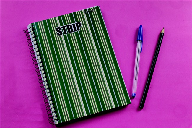 caderno-caneta-bic-lápis-faber-castel
