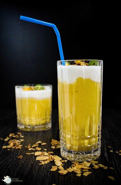 Mangolassi mit Kokosmilch