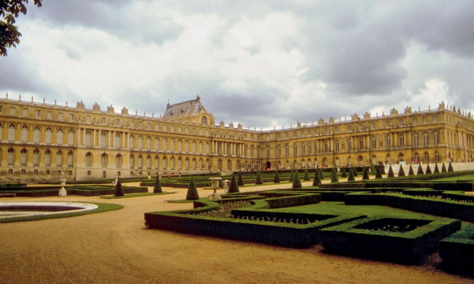Palace of Versailles - Tourist Destinations