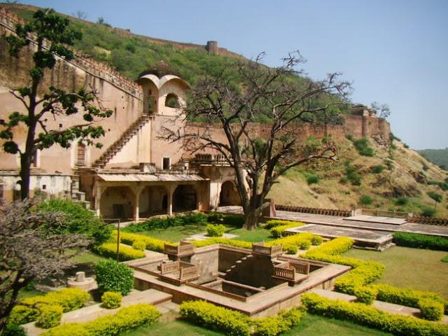 Chitrashala_Bundi_panoramio