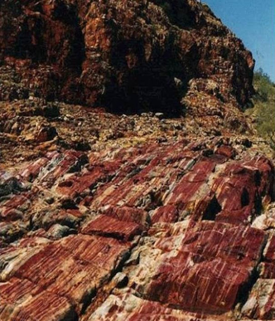 Clues to ancient giant asteroid found in Western Australia