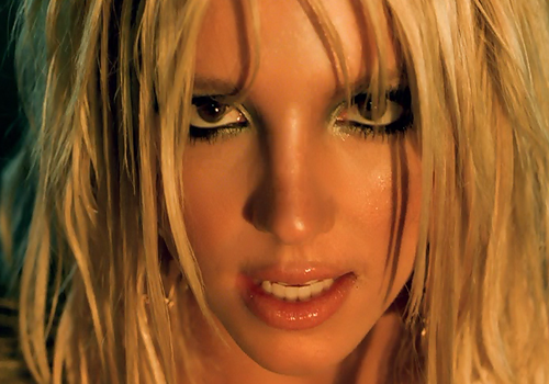 I'm A Slave 4 U By Britney Spears Turns 17 Years Old