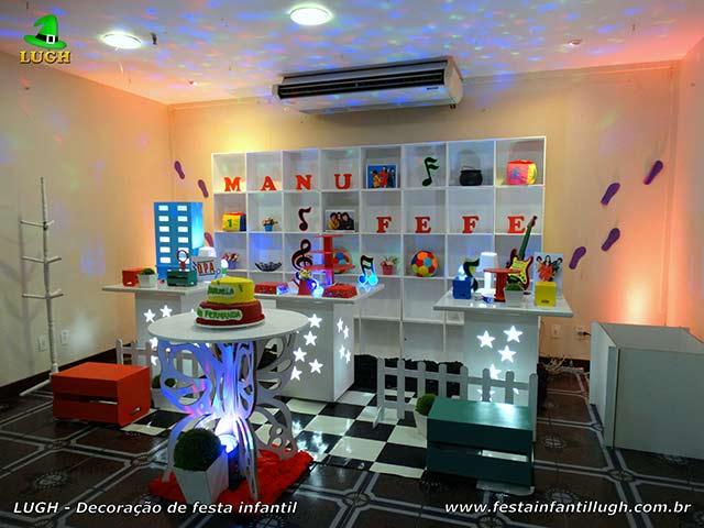 Decoração festa temática  de aniversário infantil D.P.A. - Mesa decorada provençal simples com escaninhos (Nichos)