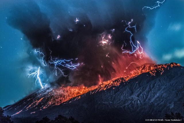 Explosion sur le volcan Aira-Sakurajima, 26 mars 2016