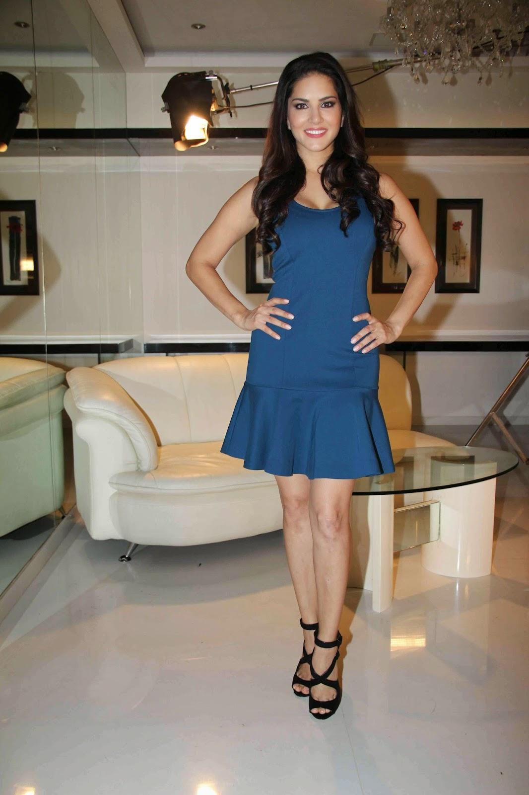 Muth Mar Ke Girane Wala Sunny Leone Ka Sexy Hd Xxx Video -9916