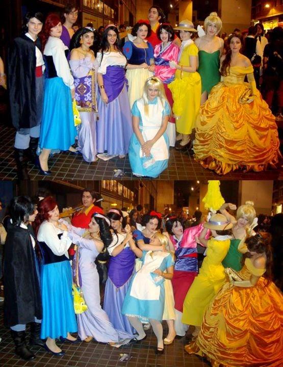 Princesas Disney peleandose