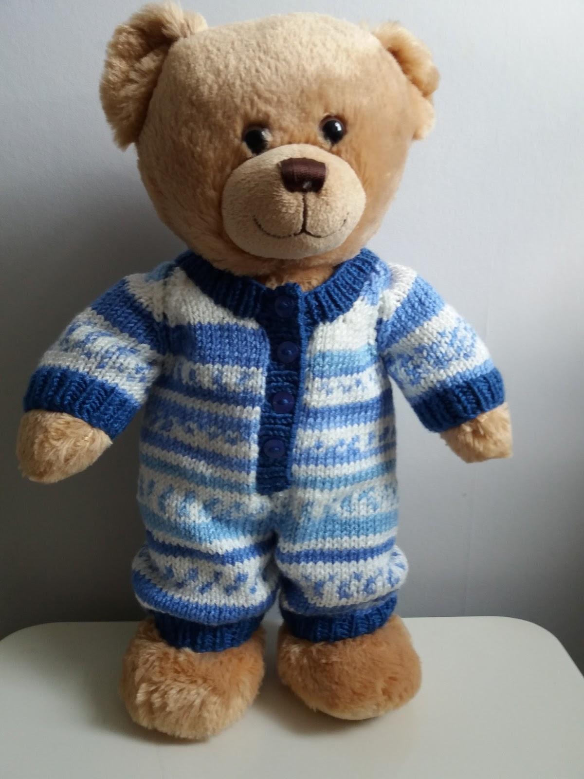Linmary Knits: Teddy bear onesie