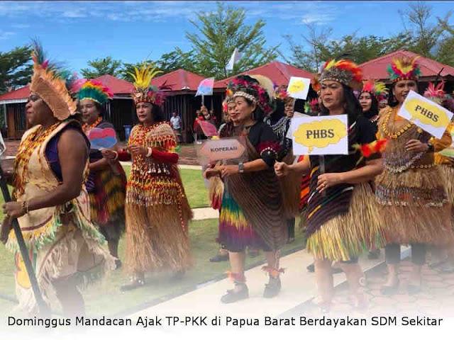 Dominggus Mandacan Ajak TP-PKK di Papua Barat Berdayakan SDM Sekitar