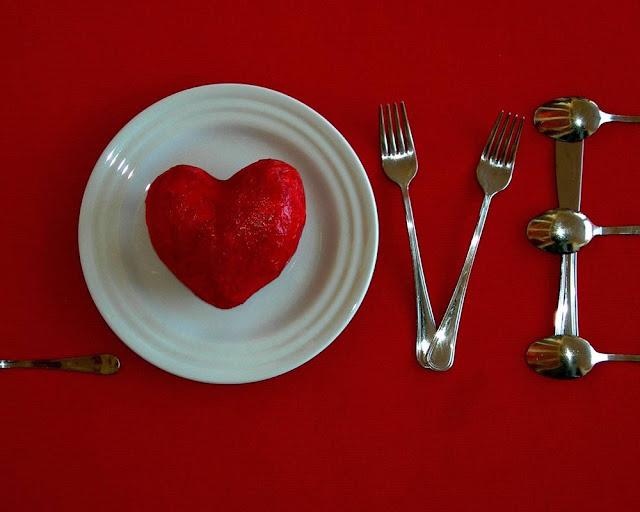 """14 февраля, День Влюбленных, День Святого Валентина, рецепты на Жень Влюбленных, советы на День Влюбленных, валентинки съедобные, валентинки, сердце, любовь, кулинария, блюда в виде сердца, блюда на День Влюбленных, ужин романтический, романтика, блюда """"Сердце"""", сердечки, рецепты кулинарные, советы кулинарные,"""