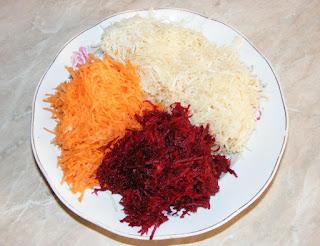 legume proaspete rase pentru salata sanatoasa vegetariana, retete salate, retete, retete culinare, retete cu telina morcovi si sfecla rosie,