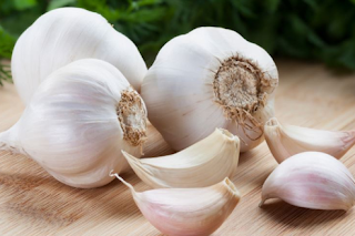 Modern research has shown that garlic helps to lower bad LDL cholesterol, hypertension and prevent hardening of the arteries. Allicin which is a sulphur compound (Diallyl sulphides and Diallyl trisulphides) contained in garlic is valued in boosting the immune system.