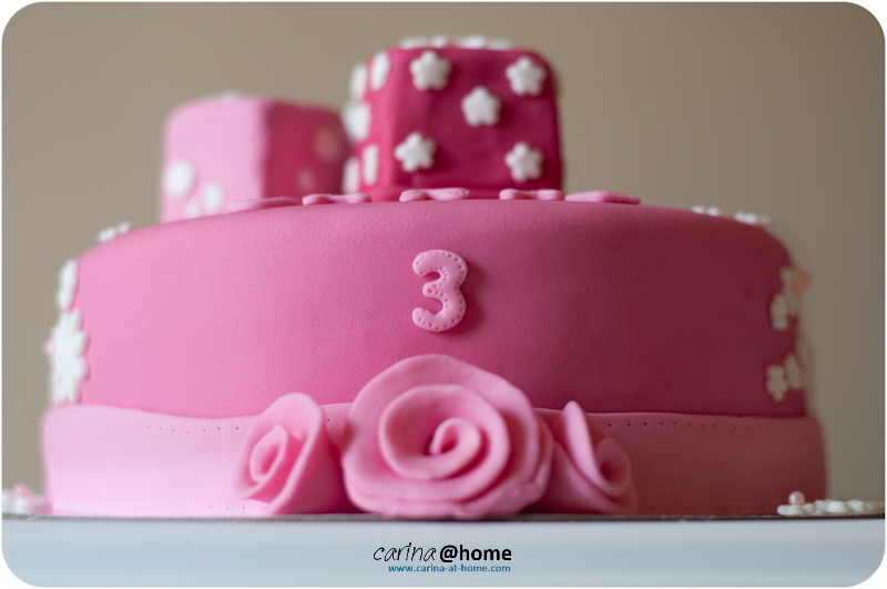 Carinahome 2 Cakes Different Parties Same Day