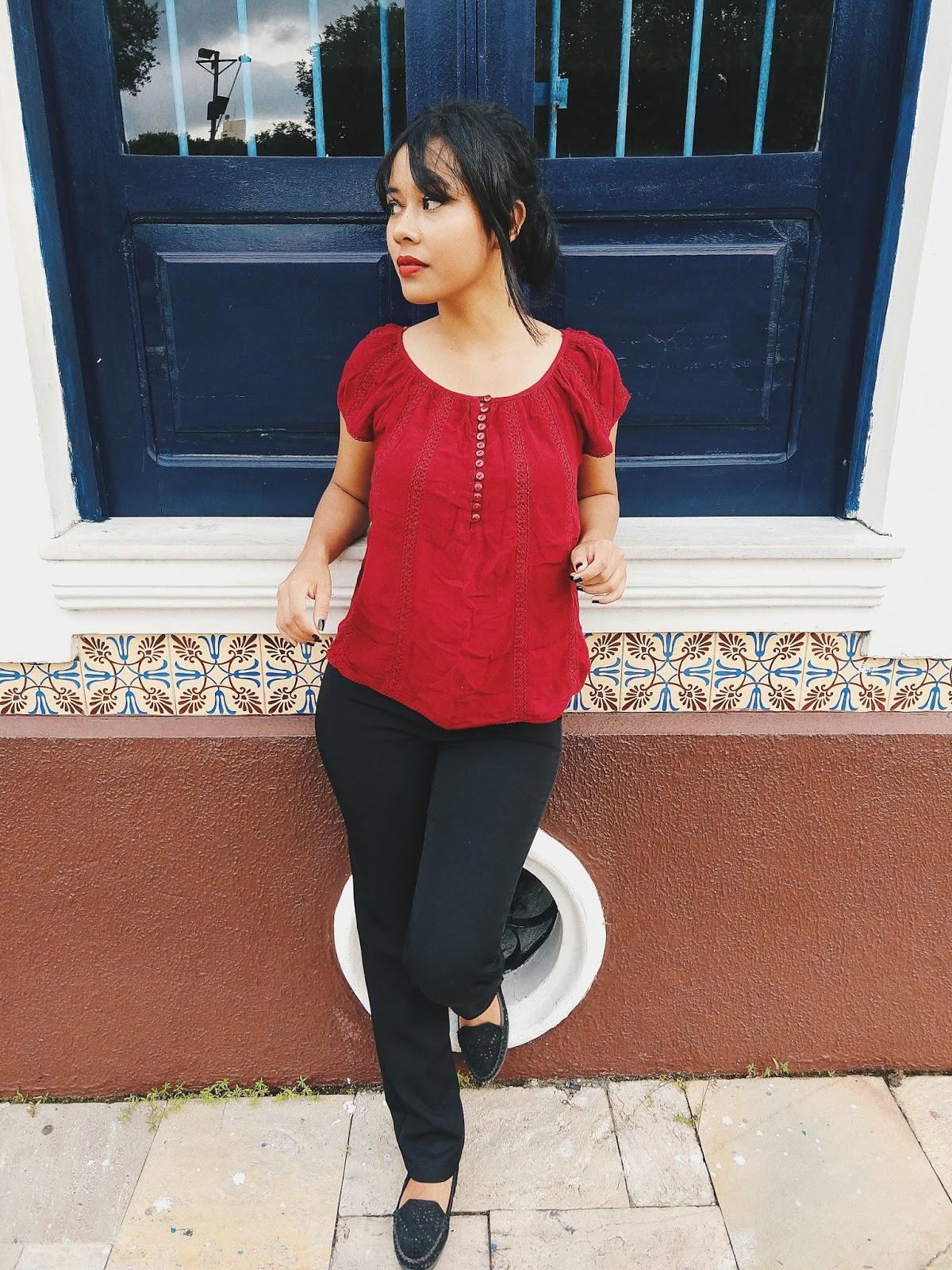 Calça Social Preta + Blusa Vermelha