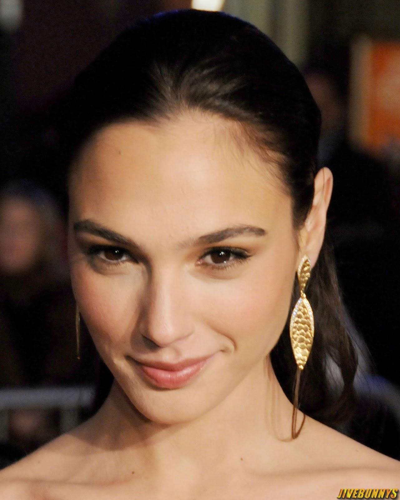hot actress gal gadot - photo #16