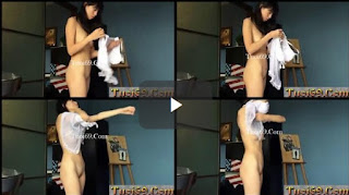 Clip: Em học sinh bị quay lén khi thay đồ không hay biết...Hồn nhiên quá!!!