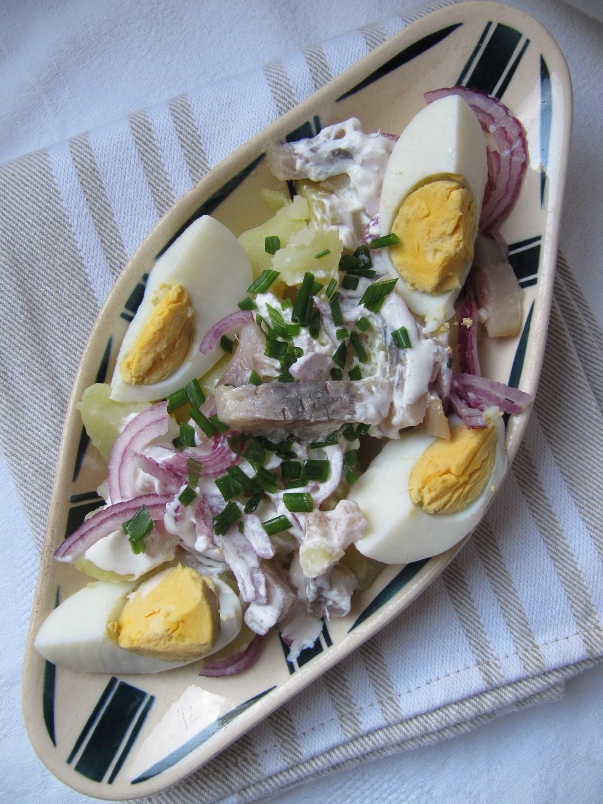 la cuisine d 39 ici et d 39 isca salade de harengs aux pommes de terre. Black Bedroom Furniture Sets. Home Design Ideas