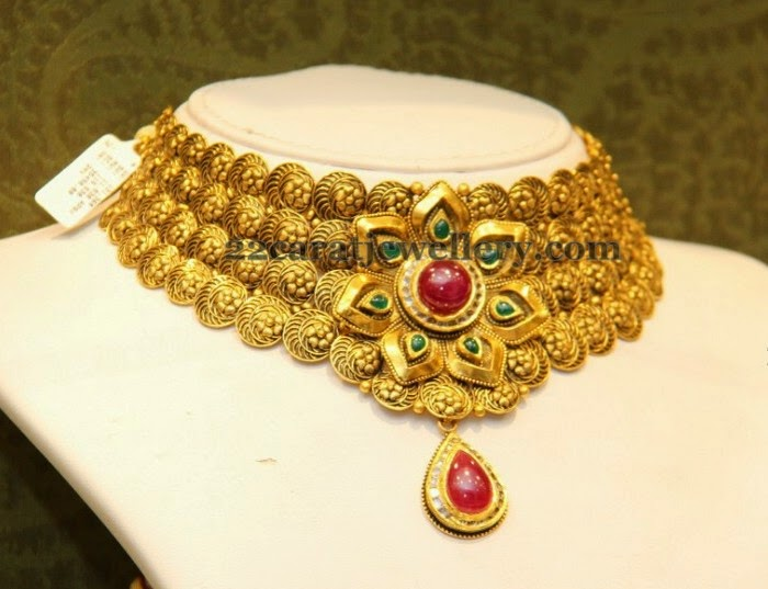 Malabar Gold Fancy Choker Jewellery Designs