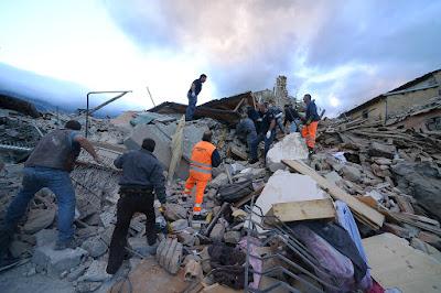 földrengés, Olaszország, Amatrice, Accumoli, természeti katasztrófa, Sergio Pirozzi