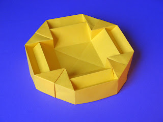 Origami Scatola doppia croce - Double cross dish by Francesco Guarnieri