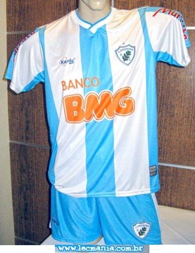 1f564b80a A empresa de material esportivo Karilu fez o lançamento oficial dos novos  uniformes do Londrina para a Divisão de Acesso do Campeonato Paranaense.