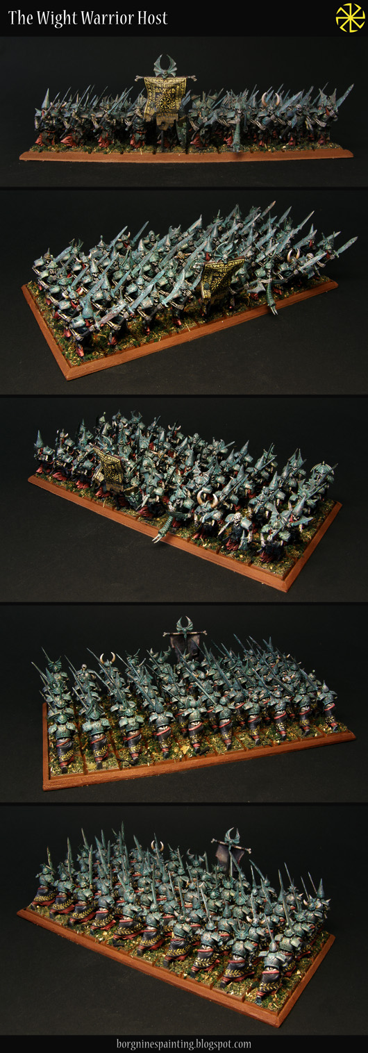 Horde of 50 Grave Guard miniatures, set up in a big horde on an rectangular Unit Tray. Their armor is painted to resemble patina / verdigris and they have yellow freehanded patterns on their black tabbards.