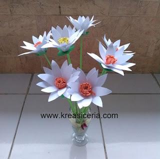 Bunga krisan dari kertas bufallo