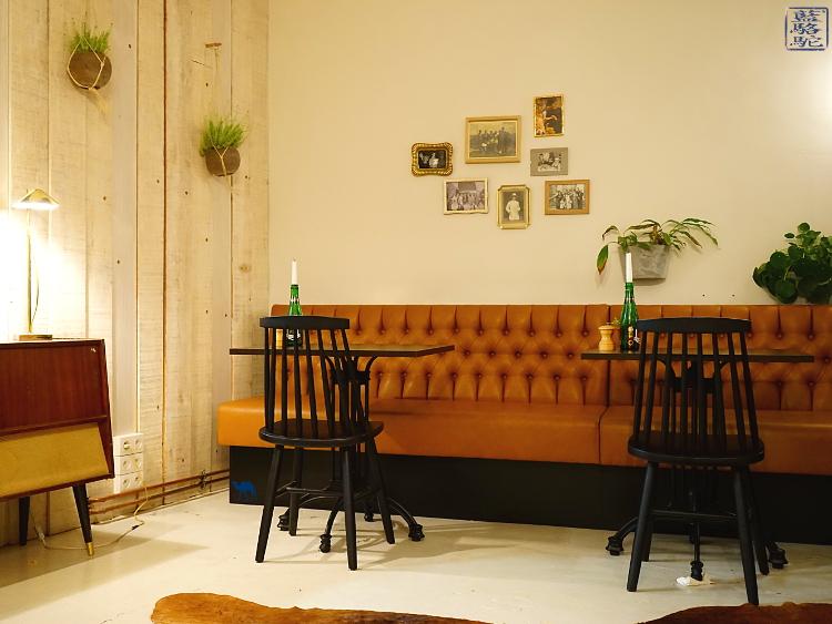 Le Chameau Bleu - Décor Vintage de Mémé Gusta - Restaurant à Gand